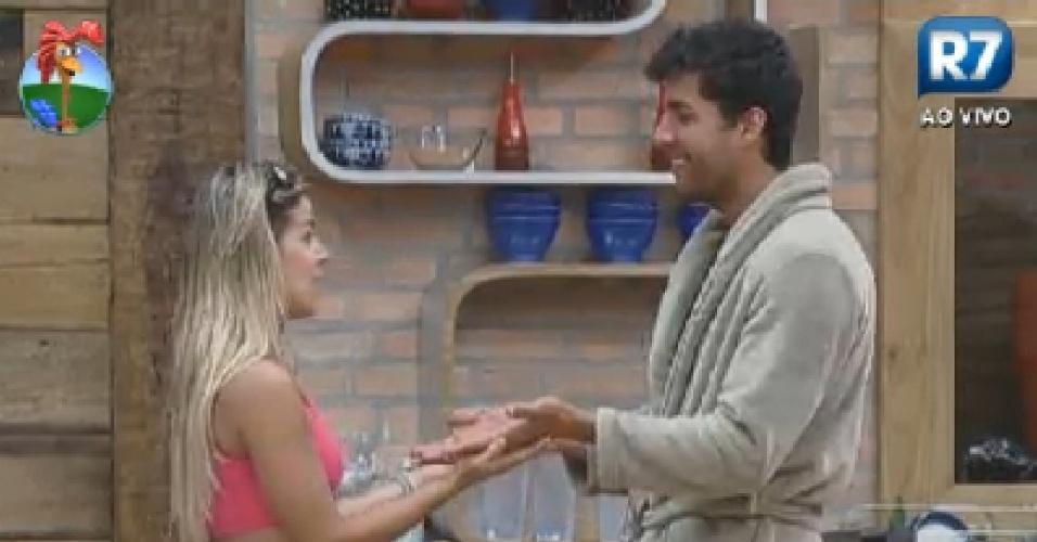 Robertha Portella e Diego Pombo lembram brincadeira da infância (5/7/12)