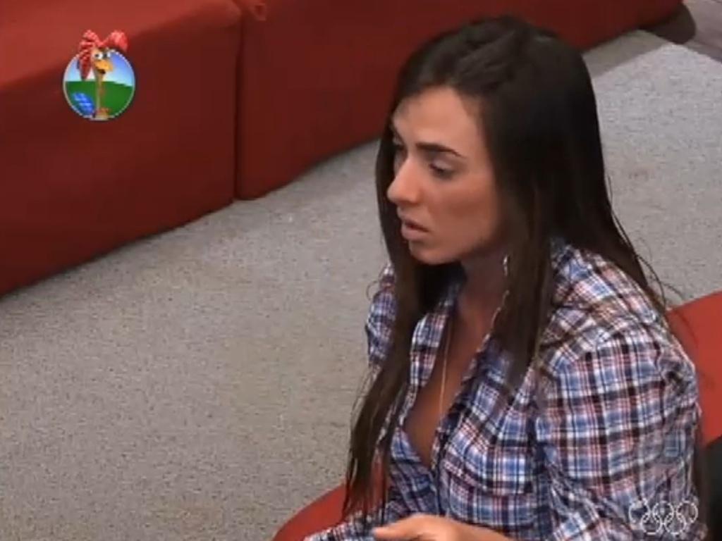 Nicole Bahls critica Simone Sampaio e Léo Áquilla em conversa (8/7/12)