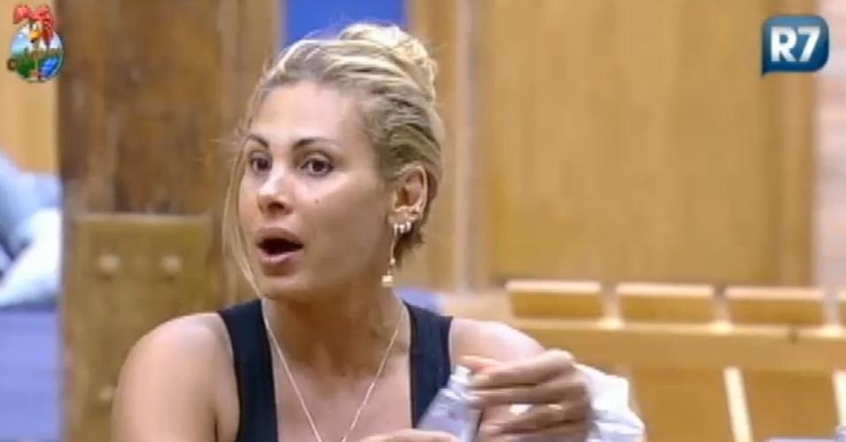 Ângela Bismarchi diz para Viviane Araújo que ela está no jogo