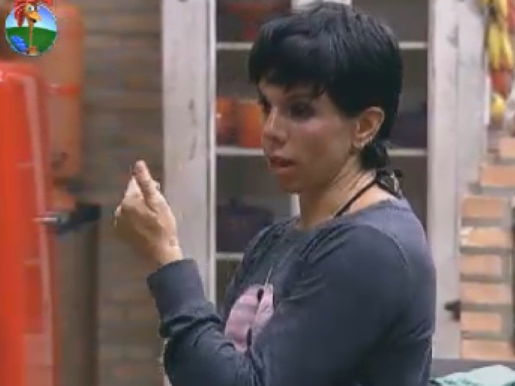 Penélope desabafa sobre voto de Ângela Bismarchi (17/7/12)