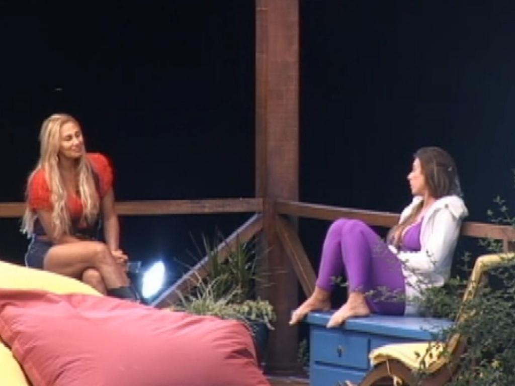 Ângela Bismarchi diz para Nicole Bahls que a defenderá quando sair de