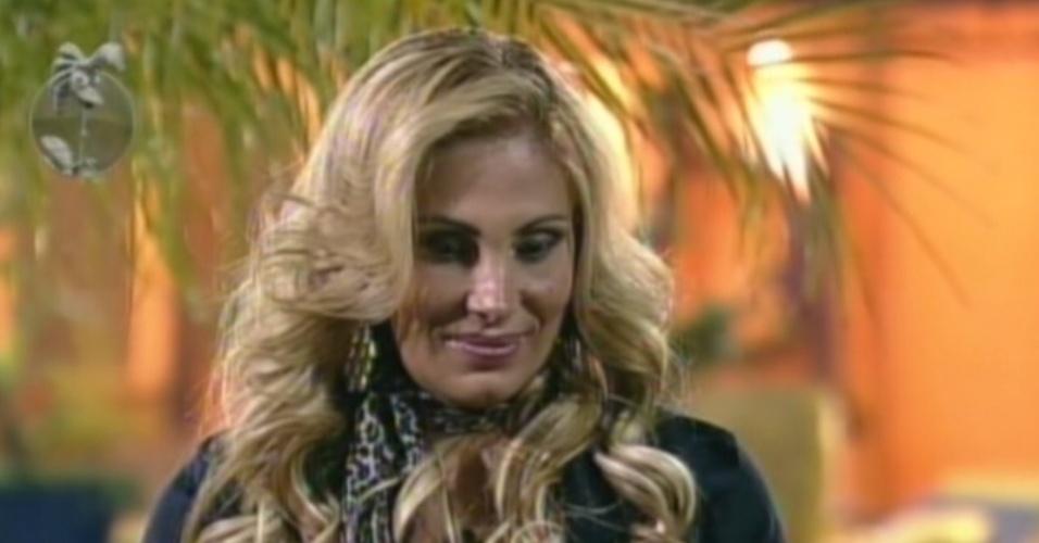 Ângela Bismarchi lembra morte da irmã e afirma que quer continuar em