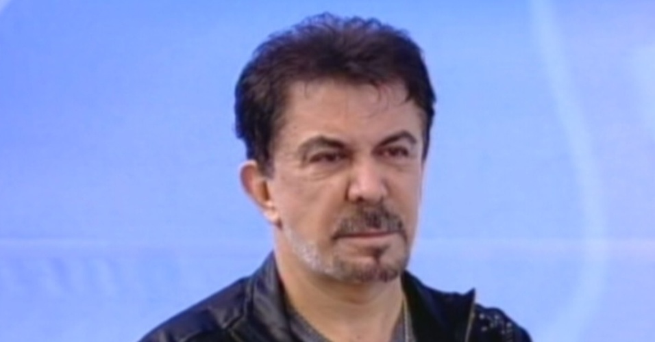 Wagner de Moraes, marido de Ângela Bismarchi, assiste à entrevista (20/7/12)
