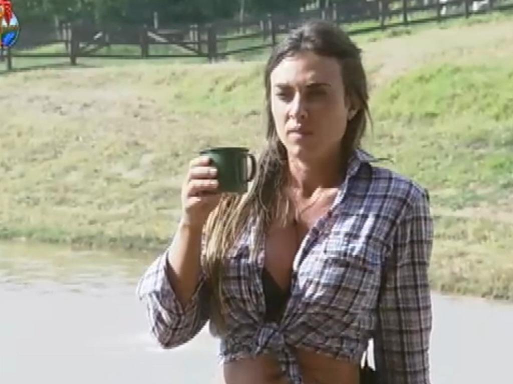 Nicole Bahls diz que Viviane Araújo