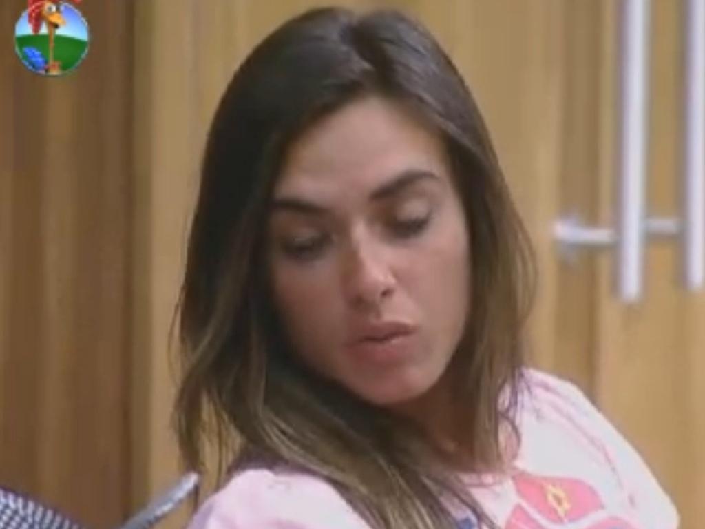 Nicole Bahls critica Simone Sampaio (5/8/12)