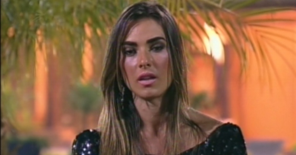 Nicole Bahls diz que gostaria de enfrentar Simone Sampaio e Viviane Arajo na final de 