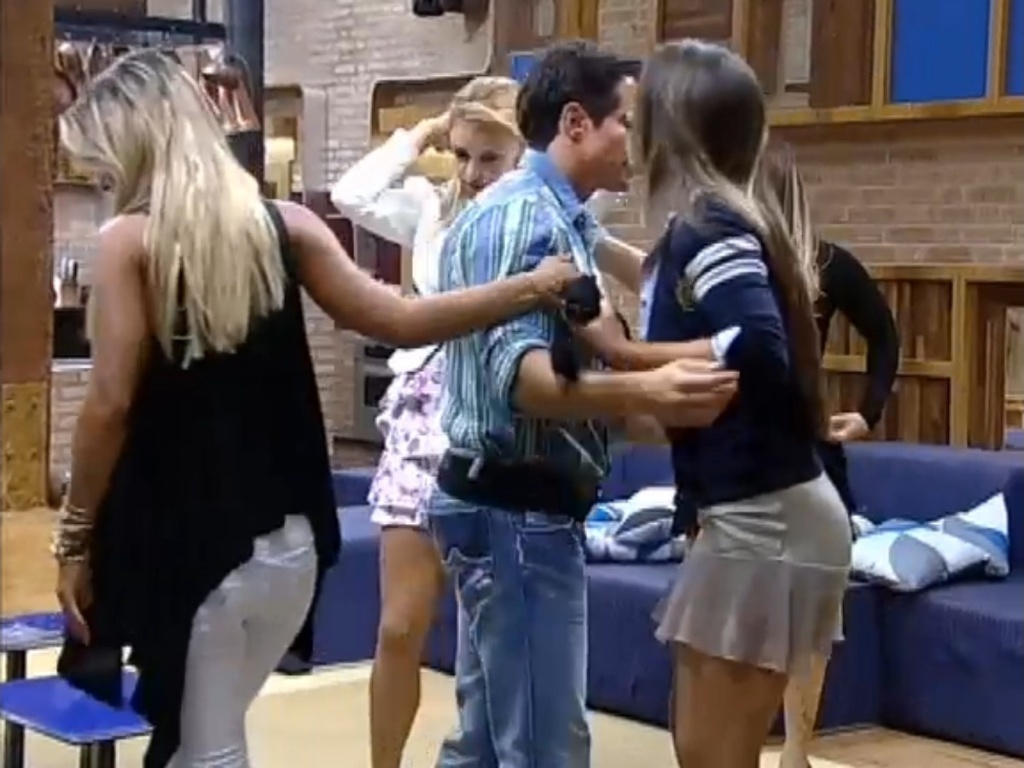 Os últimos cinco participantes do reality