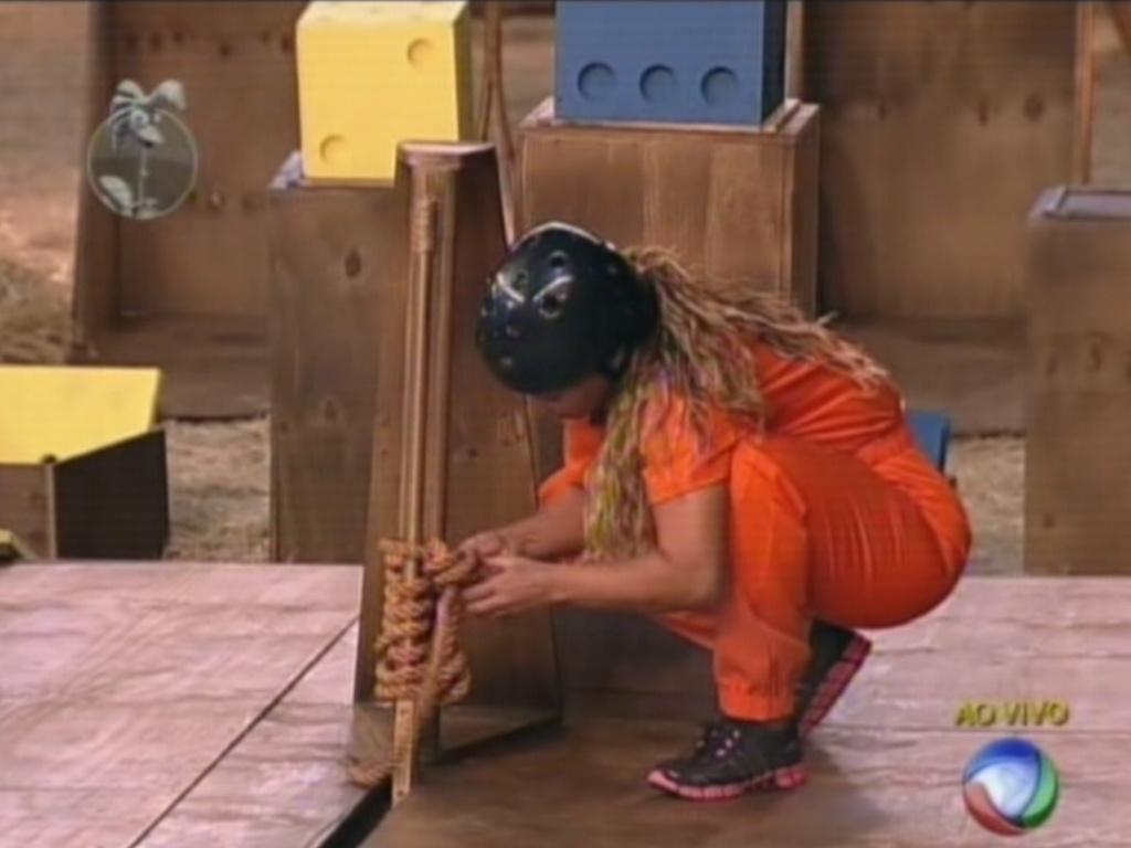 Viviane Araújo desata nós na durante a última etapa da prova da chave (19/8/12)