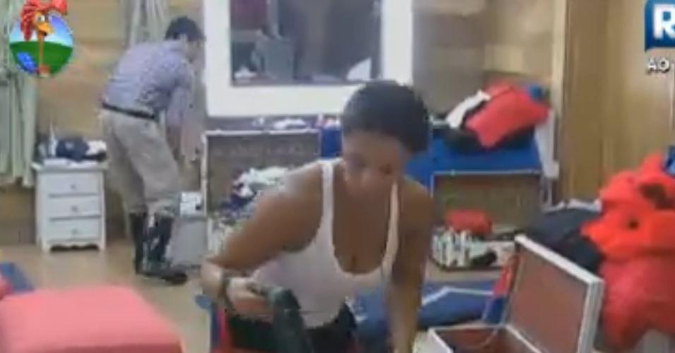 Viviane Araújo e Felipe Folgosi arrumam as malas na reta final do reality (22/8/12)