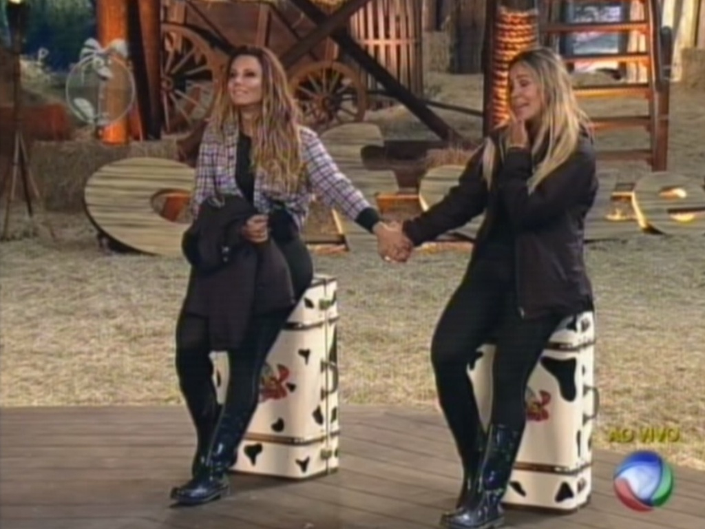Viviqane e Robertha se apoiam antes de saber quem deixará o reality (23/8/12)