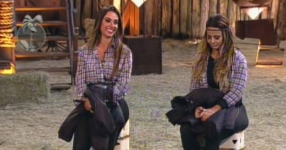 Nicole Bahls e Viviane Arajo ouvem Britto Jr. falar sobre suas brigas (26/8/12)