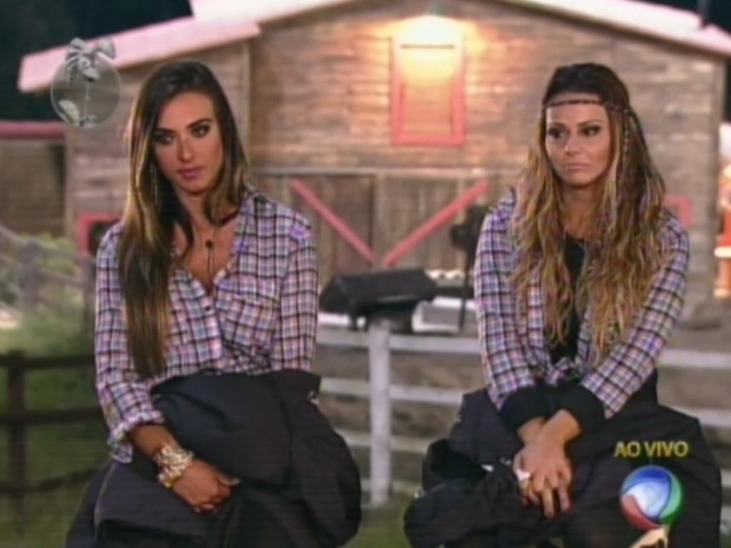 Nicole Bahls (esq.) e Viviane Araújo (dir.) se enfrentam na última roça de