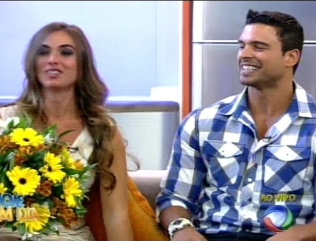 Nicole Bahls reencontra Gustavo Salyer no programa 