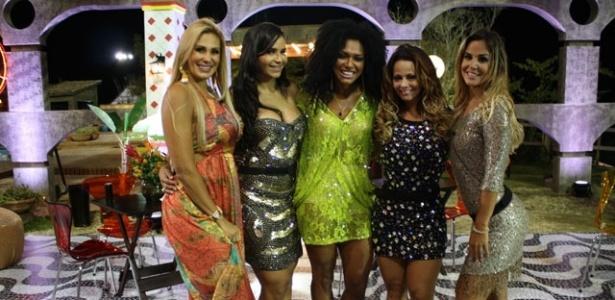 Da esquerda para a direita: Ângela Bismarchi, Shayene Cesário, Simone Sampaio, Viviane Araújo e Robertha Portella na última festa de