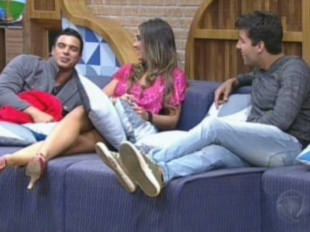 Gustavo Salyer, Nicole Bahls e Diego Pombo lembram momentos que viveram no reality show (27/8/12)