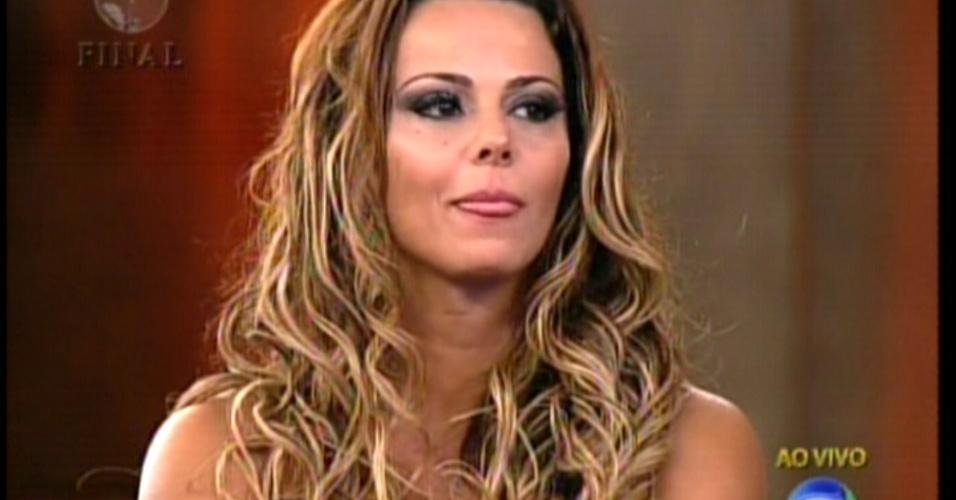"""Viviane Araújo aguarda o resultado de """"A Fazenda 5"""" na cerimônia de encerramento do reality (29/8/12)"""