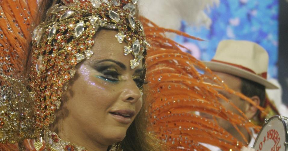 Viviane araújo durante o desfile da escola de samba Salgueiro na Sapucai (15/02/2010)