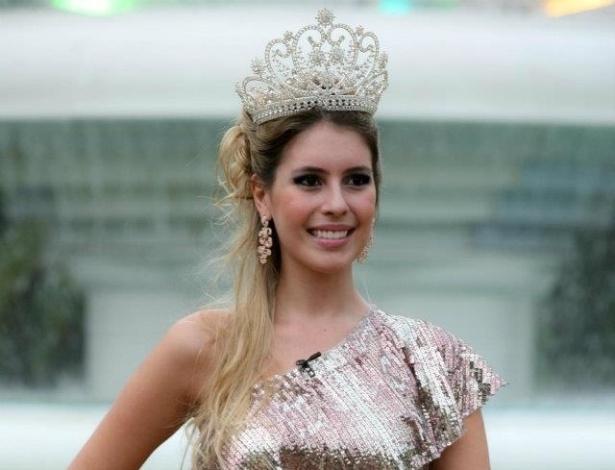 Bianca Luperini, de 20 anos, foi Miss Araras 2011 e chegou a participar do Miss São Paulo (26/10/12)