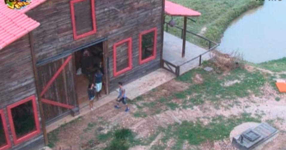 Depois de muito tempo sem poder sair, portas do seleiro são abertas