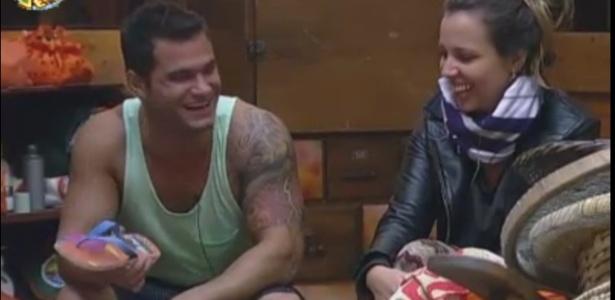 Leandro diz que tatuará símbolo do reality se ganhar prêmio