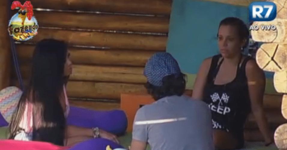 Angelis, Haysam e Natalia conversam sobre os votos