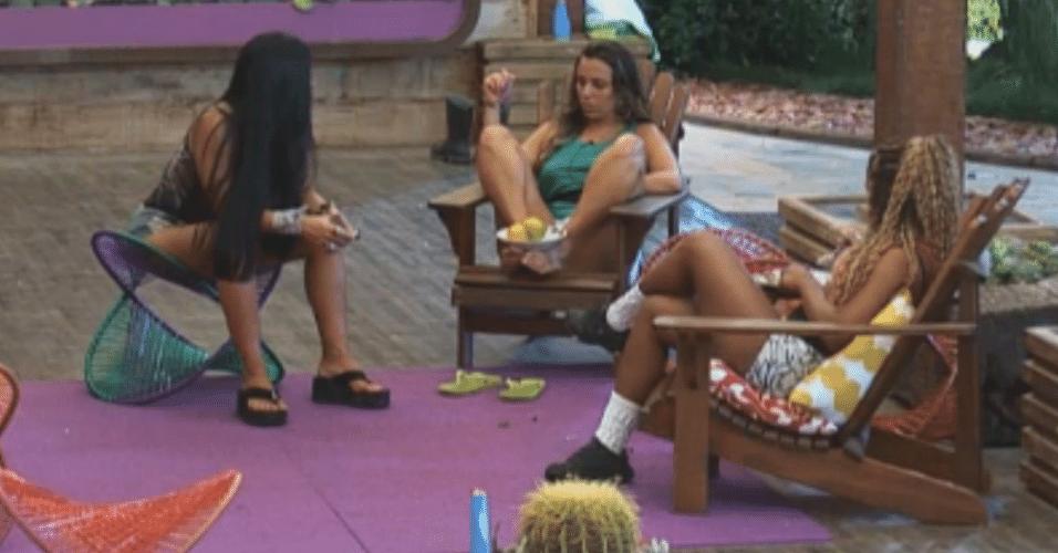 Karine conversa com Natália e Angelis sobre Thyago