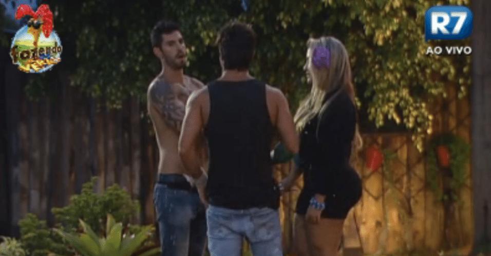 Ísis, Thyago e Victor planejam viagem com ex-peões quando sairem da casa