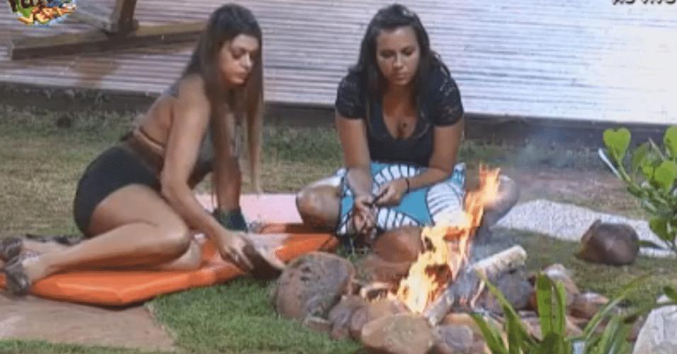 Peoas curtem fogueira
