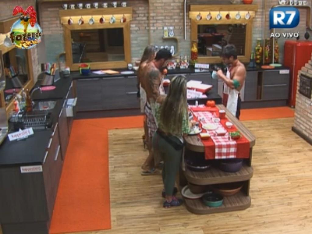 Peões começam a preparar o jantar