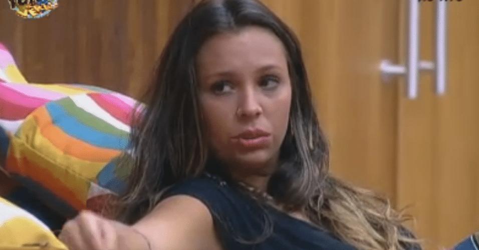 Angelis desabafa com Ísis e fala que teme entrar em depressão