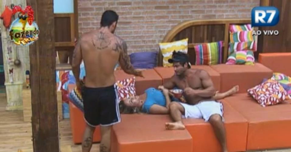 Victor e Thyago dizem que não vão mais brincar com Ísis