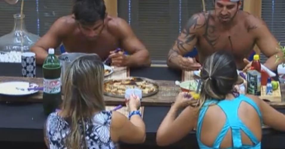 Peões almoçam nesta segunda-feira (28) e falam sobre ex-peões