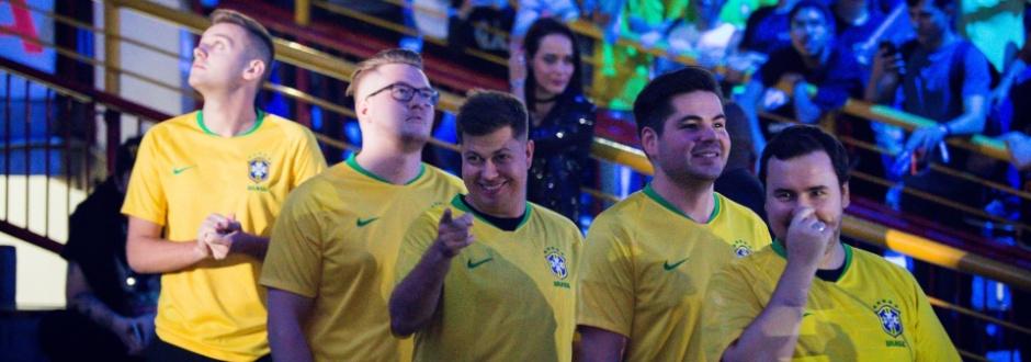 Com direito a entrada com a camisa do Brasil, FaZe é campeã em Belo Horizonte