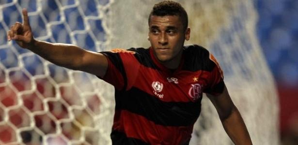 Zagueiro Welinton segue caminho de Love e deixa o Flamengo para jogar na Rússia