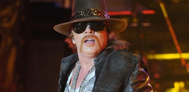 O vocalista Axl Rose durante show do Guns N`Roses em Hollywood em 2012