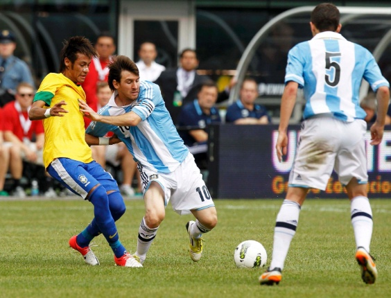 Messi leva vantagem sobre Neymar - Foto UOL Esporte