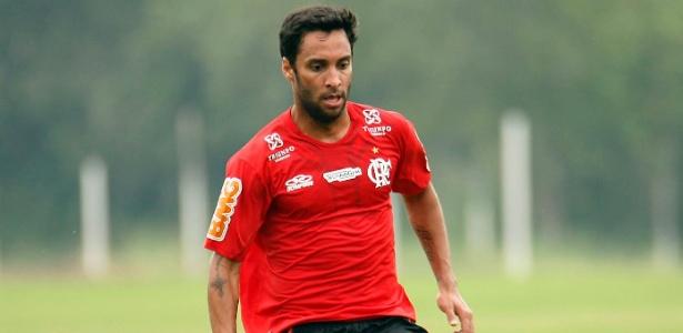 Ibson pede pressa por reforços no Flamengo e lamenta troca de comando em 2012