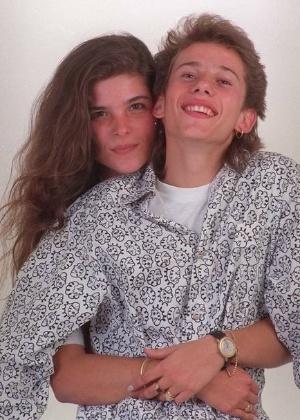 http://imguol.com/2012/10/30/cristiana-oliveira-e-rafael-ilha-na-epoca-em-que-eram-namorados-no-inicio-dos-anos-90-1351617799475_300x420.jpg