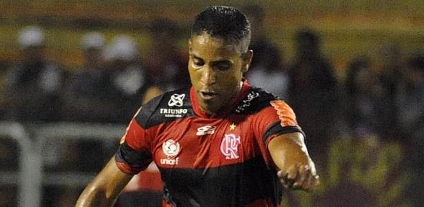 Após eliminação, Joinville mira reforços; Cléber Santana é um dos desejos