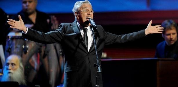 Caetano Veloso, que é homenageado na 13ª edição do Grammy Latino, fala na cerimônia da premiação em Las Vegas (15/11/12)