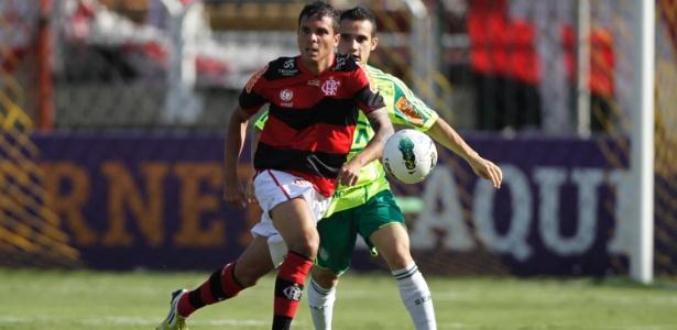 Flamengo inicia temporada sem opções para mudar laterais e expõe maior carência