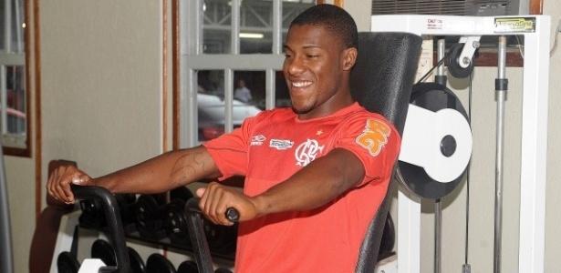 Amaral evita polêmica com Wellington Silva e comemora permanência no Flamengo