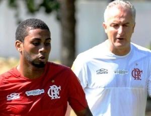 Acima do peso, Muralha desrespeita funcionário do Atlético-GO e retorna ao Flamengo