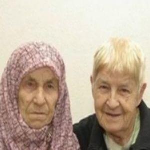 Irmãs Tanija Talic e Hedija Talic se reencontraram com ajuda do Facebook depois de 72 anos afastadas