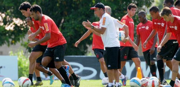 Fla realiza exaustivo treino físico com bola e segue preparação no Ninho do Urubu