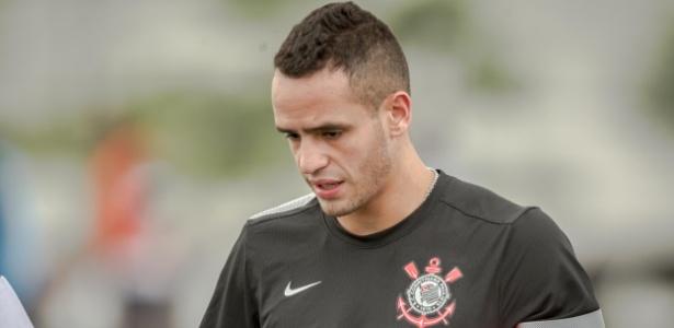 Flamengo espera receber R$ 475 mil da venda de Renato Augusto ao Corinthians