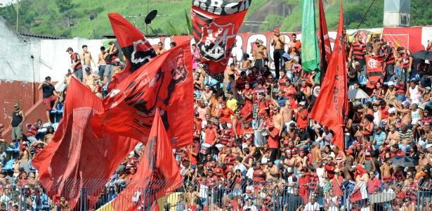 Fla bate Corinthians em pesquisa de torcidas liderada pelos sem time
