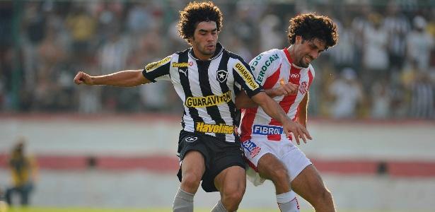 Botafogo volta a Moça Bonita e cita Flamengo ao pedir melhorias no gramado