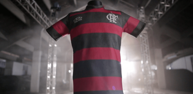 Perto de adeus, empresa cria camisa eterna do Fla para expor em museu