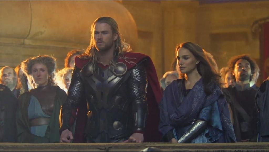Chris Hemsworth e Natalie Portman bonitões em Asgard